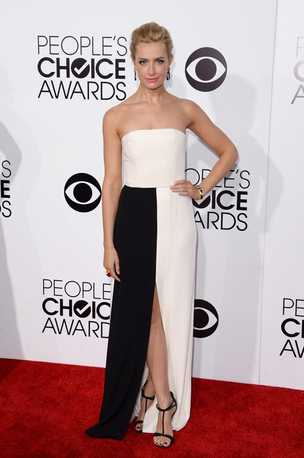 beth-behrs-peoples-choice-awards-20141