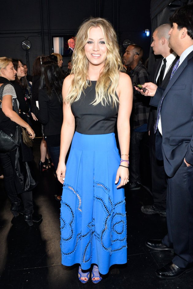 Kaley-Cuoco-People-Choice-Awards-2014